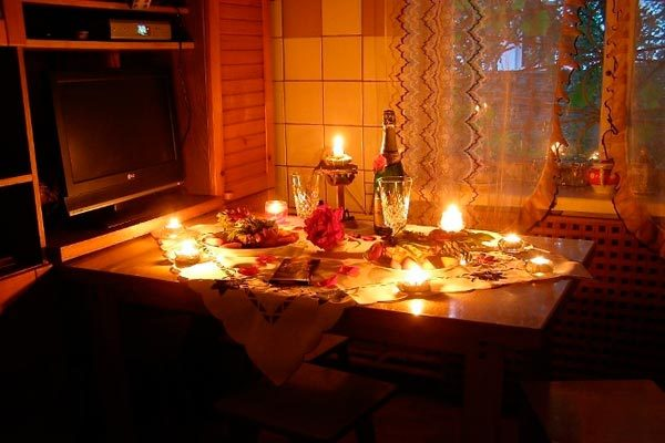 romanticheskij-vecher-doma